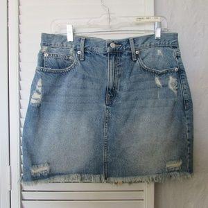 GAP distressed mini denim skirt size 31